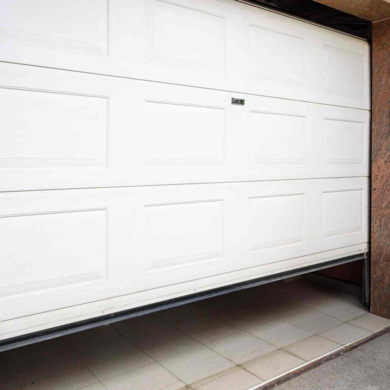 Gargage door repairs kings lynn
